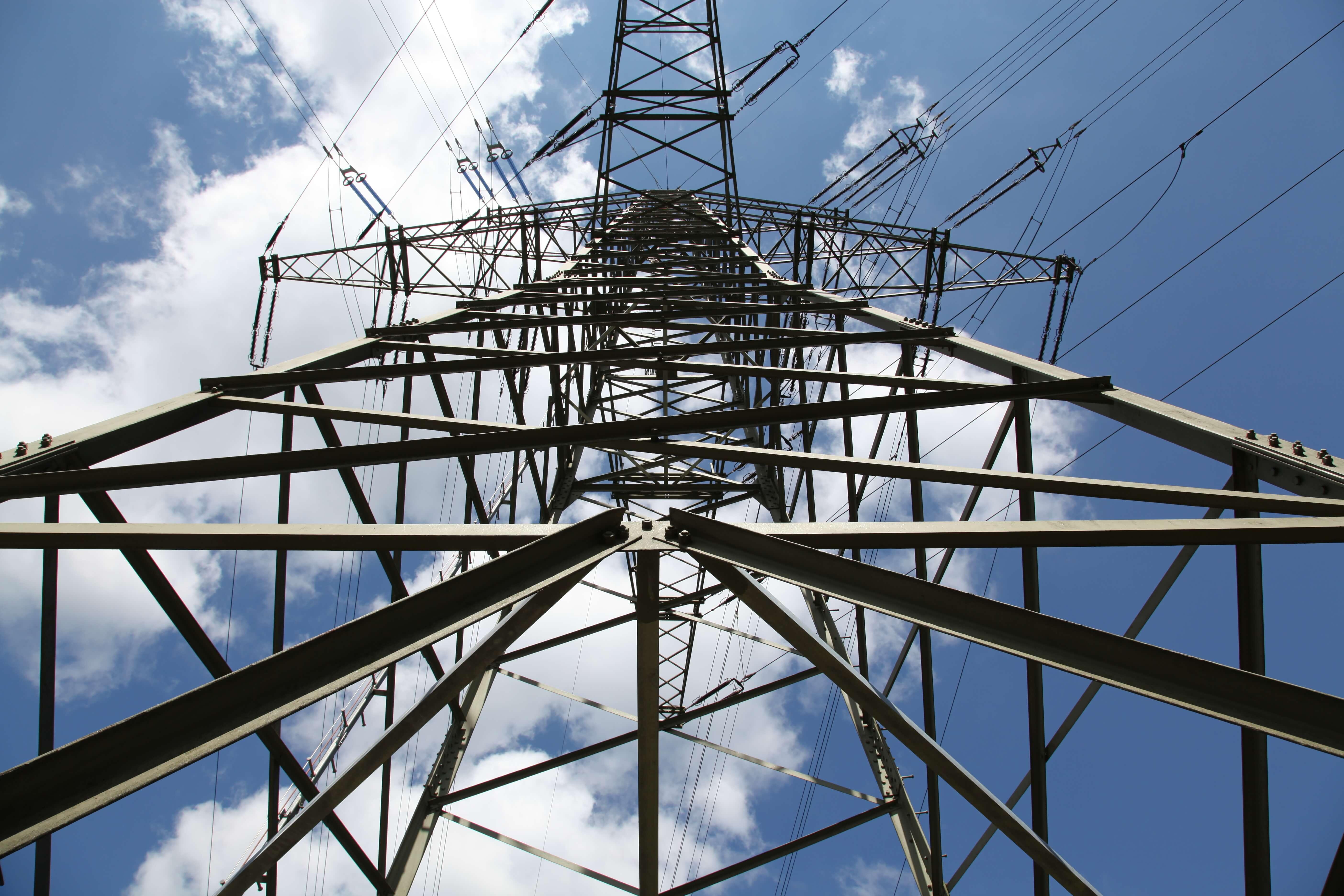 Schutzportale und Kabelbrücken mit Sicherheit & System